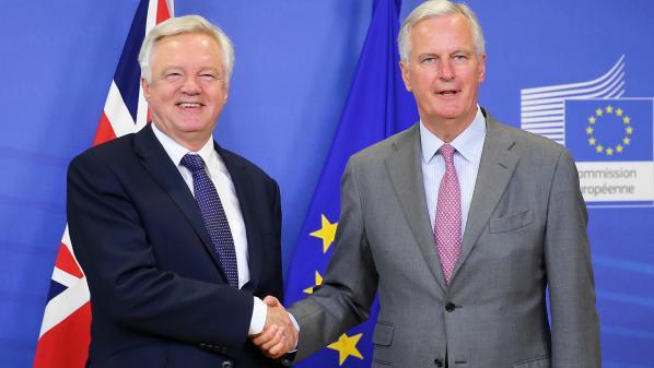 Négociations sur le Brexit : fin du premier round d'observation entre les Britanniques et l'Union européenne