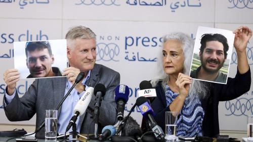 """""""Austin est détenu en Syrie"""" : les parents d'un journaliste américain disparu depuis cinq ans lancent un appel aux ravisseurs"""