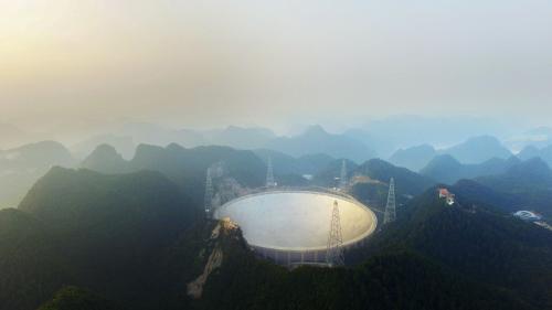 """Les """"étranges"""" signaux radio captés dans l'espace provenaient en réalité d'un satellite"""