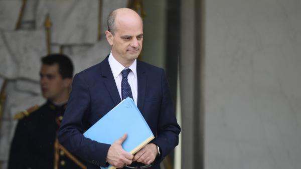 """""""On doit se poser la question de la durée des vacances"""" : le ministre de l'Education nationale détaille ses priorités"""
