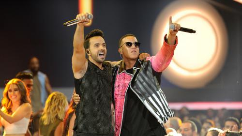"""Les chanteurs de """"Despacito"""" condamnent la reprise de leur tube par le président du Venezuela"""