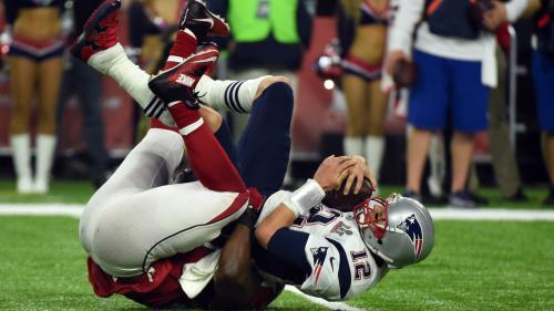 VIDEO. Les traumatismes mortels du football américain, sport roi aux Etats-Unis