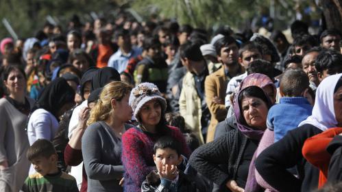 """Des """"hotspots"""" pour examiner les demandes d'asile à l'étranger, un mirage ou solution miracle à la crise migratoire?"""