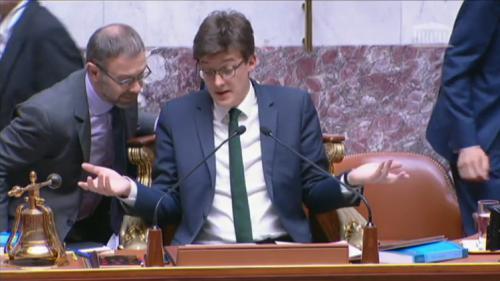 VIDEO. Des députés LREM rejettent un article de loi à l'Assemblée par inadvertance