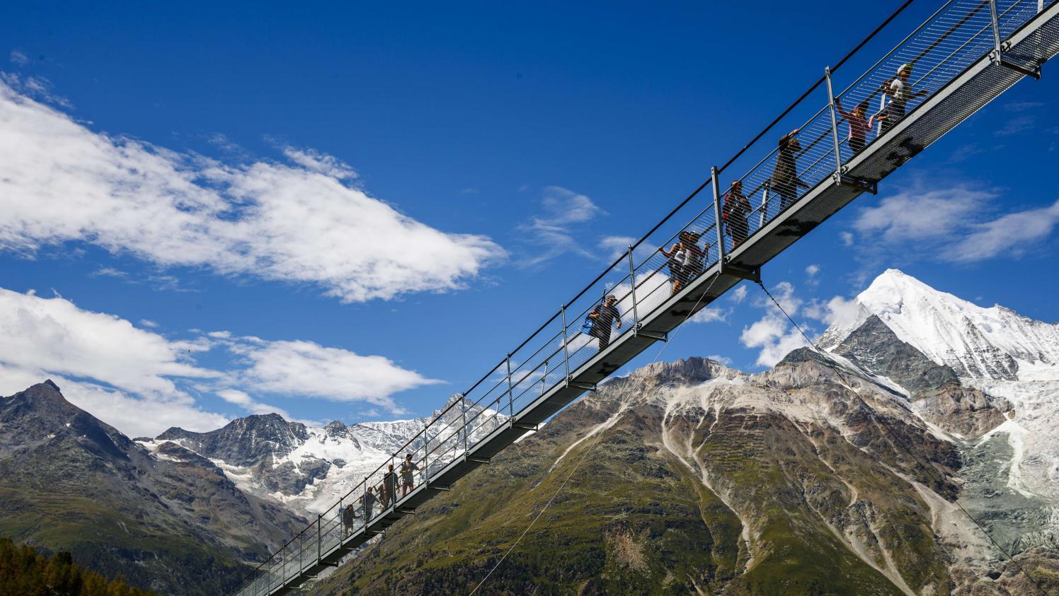 Video Decouvrez Le Pont Suspendu Le Plus Long Du Monde