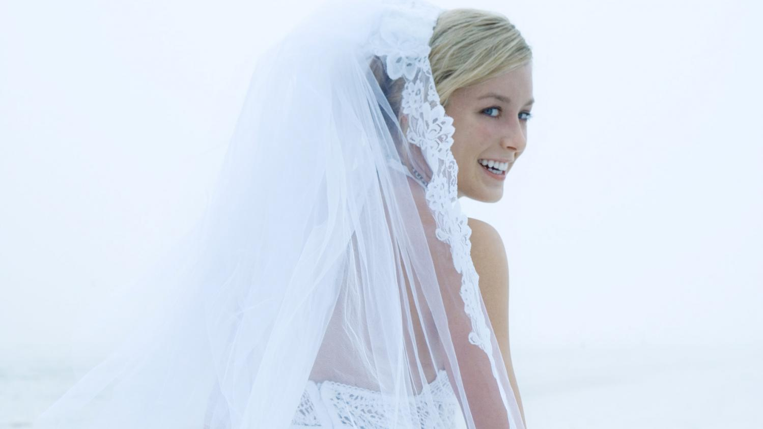 Les pourquoi pourquoi la mari e est elle toujours en blanc - Noelle breham est elle mariee ...