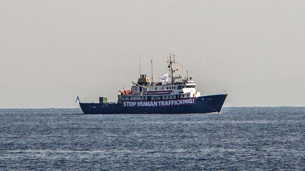 """RECIT. Comment la croisade des militants anti-migrants du """"C-Star"""" a tourné au naufrage"""