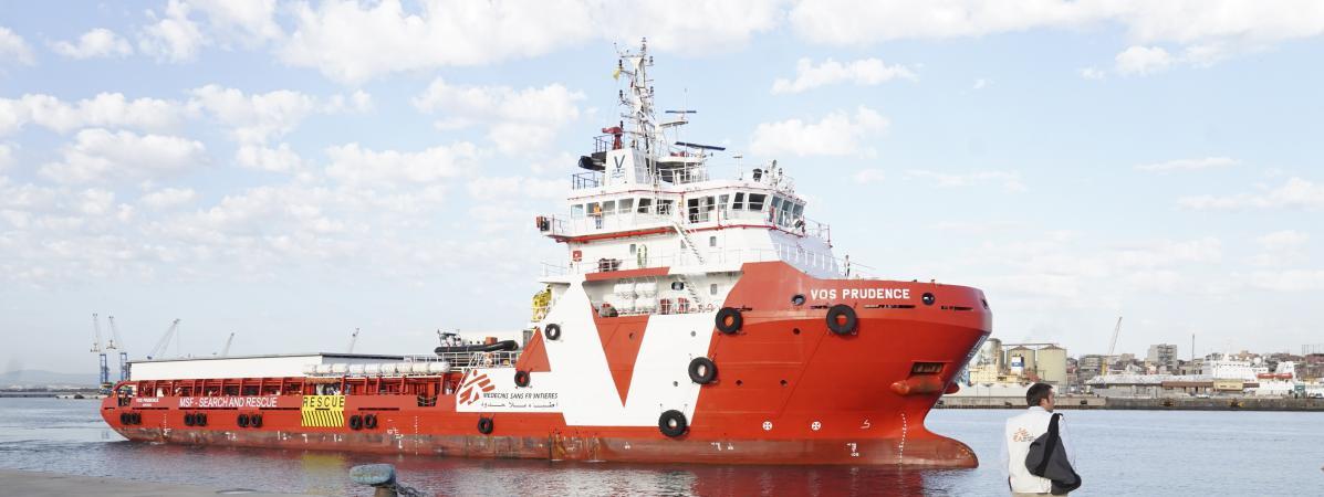 """Le \""""Prudence\"""", navire de Médecins sans frontières, lors d\'une escale à Catane, en Sicile (Italie), le 5 mai 2017."""