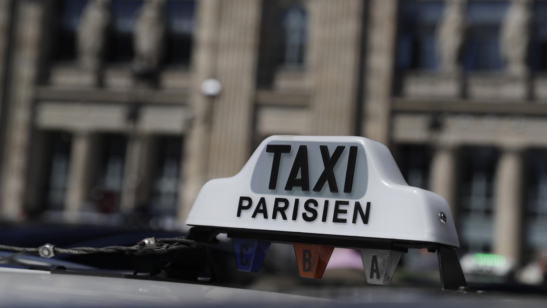 plus de 400 taxis clandestins vinc s de roissy charles de gaulle depuis un mois. Black Bedroom Furniture Sets. Home Design Ideas