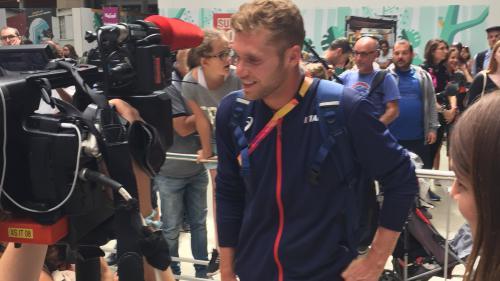 """Mondiaux d'athlétisme : les médaillés français rentrent à Paris, Kevin Mayer et Yohann Diniz """"épuisés mais heureux"""""""