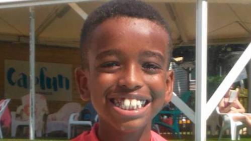 Grenoble : des milliers d'internautes écrivent à Kevin, un jeune garçon autiste, pour son anniversaire