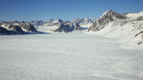 """Fonte des glaces : """"Le Groenland n'est pas du tout armé pour faire face à des feux et en arrêter la progression"""""""
