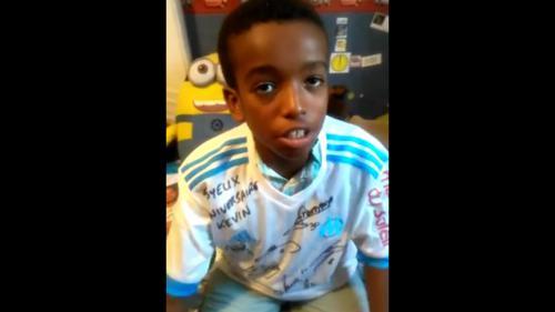 Grâce aux internautes, un jeune garçon autiste reçoit 4 300 lettres pour son anniversaire