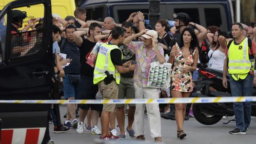 """RECIT. Sur La Rambla, """"les gens volaient de tous les côtés"""" : le soir où Barcelone a connu l'horreur"""