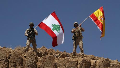 Attentats en Catalogne : l'armée libanaise hisse le drapeau espagnol sur une colline reprise à l'Etat islamique