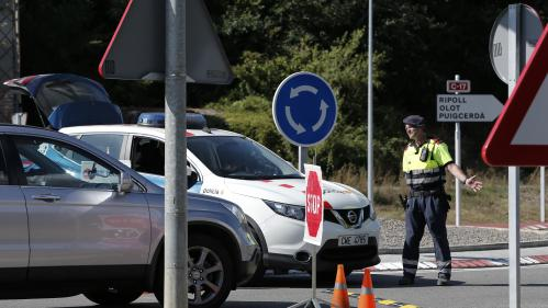 DIRECT. La police catalane annonce avoir identifié le conducteur du véhicule qui a foncé dans la foule à Barcelone