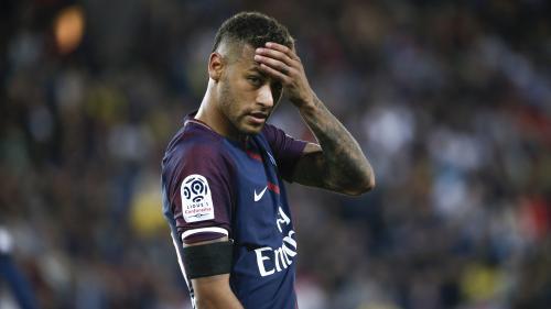 Le FC Barcelone dépose une plainte contre Neymar et lui réclame au moins 8,5 millions d'euros après son transfert au PSG