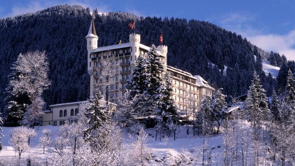 En direct du monde en suisse un h tel de luxe de gstaad - Incroyable maison monolithique en suisse ...