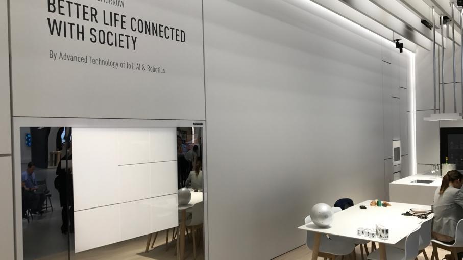 nouveau monde la maison du futur se d voile au salon ifa. Black Bedroom Furniture Sets. Home Design Ideas