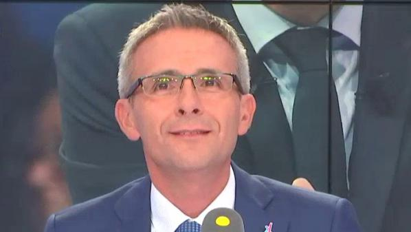 """Tout est politique. Contrats aidés : """"Le gouvernement ne fait pas des économies, il fait des choix"""", estime Stéphane Troussel, président de la Seine-Saint-Denis"""