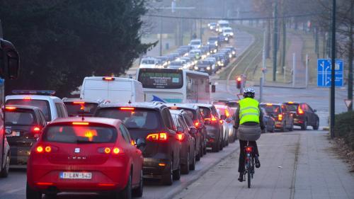 """Transition écologique : taxer le diesel, c'est """"la bonne méthode"""""""