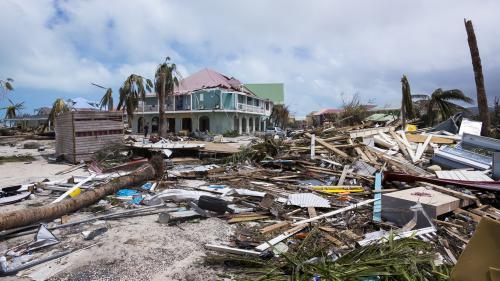 VIDEO. Ouragan Irma : à Saint-Martin, les secouristes font face à l'urgence