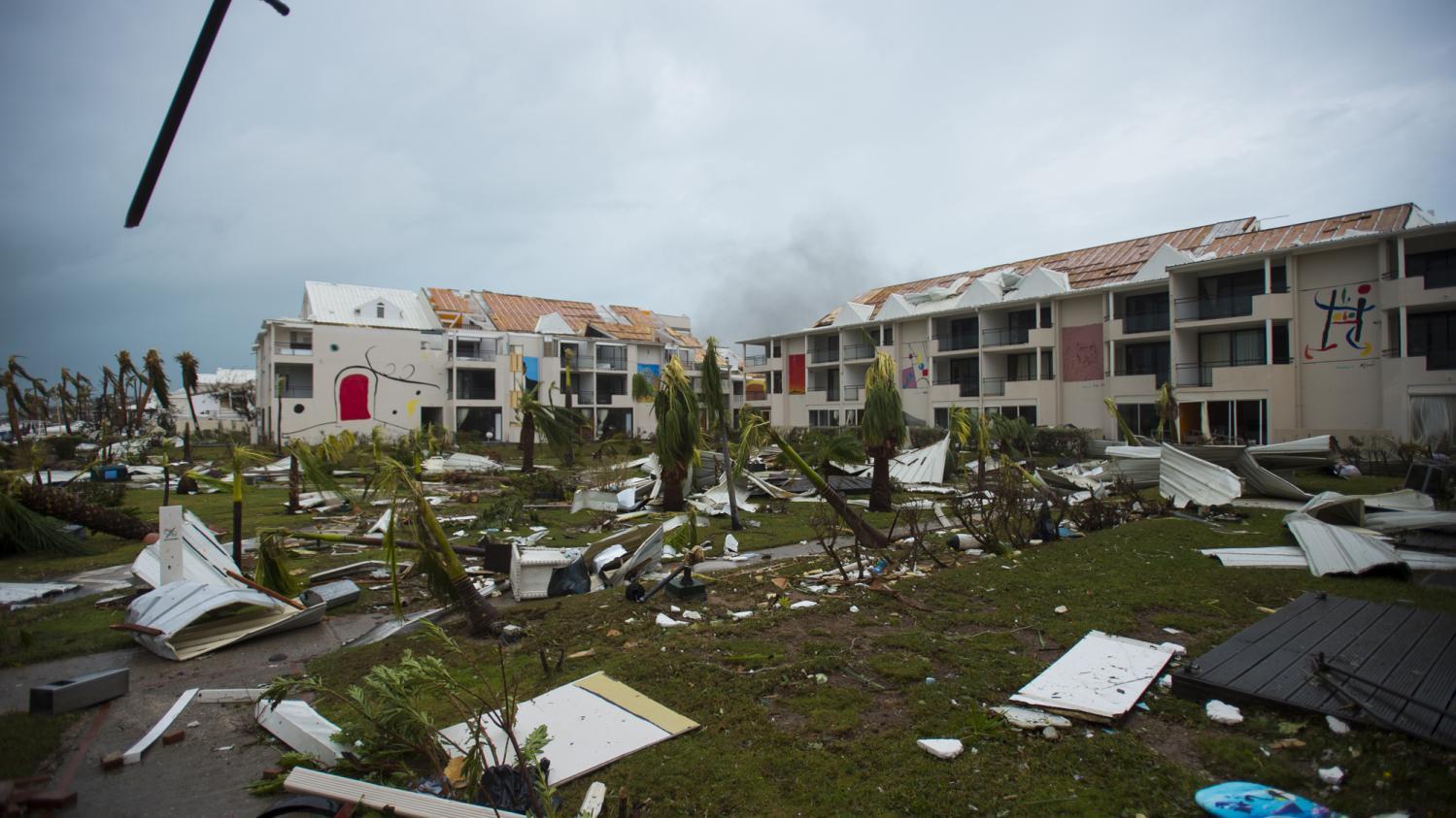 """""""Des bagarres pour une télé, un ventilateur"""" : une habitante de Saint-Martin témoigne des scènes de pillages après l'ouragan Irma"""
