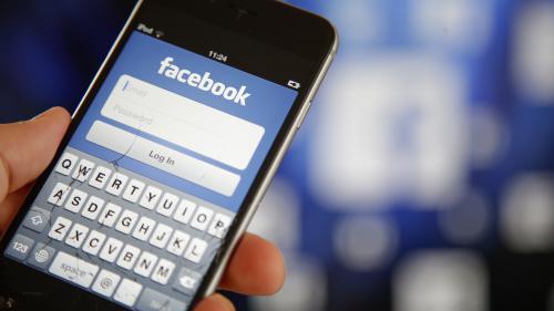 """Un Palestinien arrêté après que son """"bonjour"""" publié sur Facebook a été traduit par erreur par la phrase """"attaquez-les"""""""
