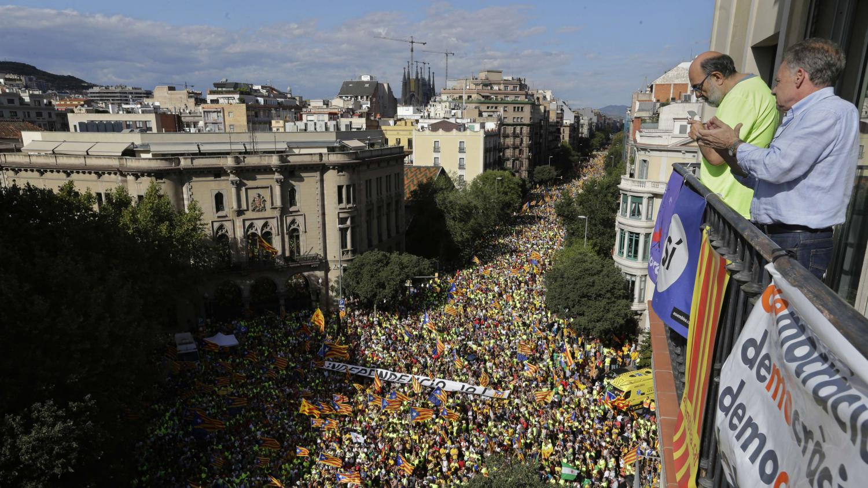 Barcelone Les Maires Catalans Manifestent Pour Un R F Rendum