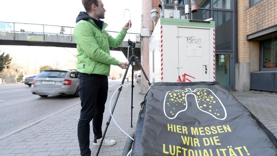 """Allemagne : """"Il faut bannir les voitures diesel les plus polluantes des centres-villes"""""""