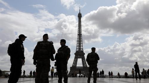 """Terrorisme : le dispositif Sentinelle réorganisé pour """"gagner en mobilité"""""""