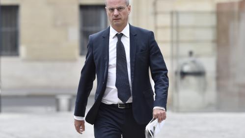 Jean-Michel Blanquer veut interdire les téléphones portables au collège