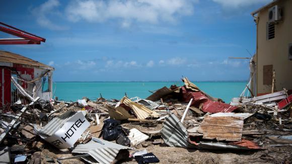 Les décombres de maisons détruitesà Grand-Case, le 11 septembre 2017, après le passage de l\'ouragan Irma sur l\'île de Saint-Martin.