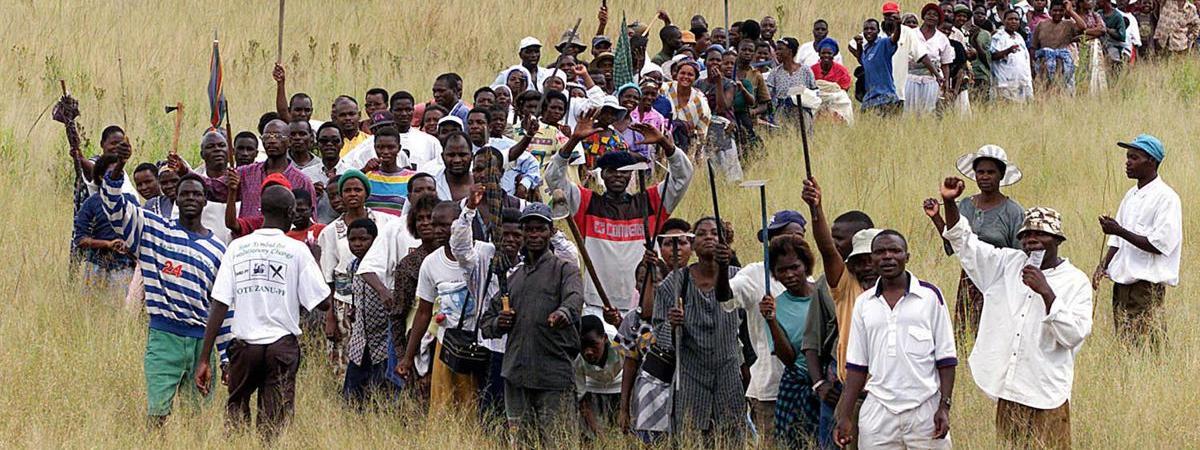 """Résultat de recherche d'images pour """"Economie, social, réformes agraires, zimbabwe"""""""