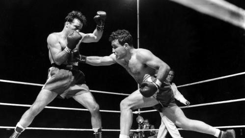 """Le boxeur américain Jake LaMotta, surnommé """"Raging Bull"""", est mort à 95 ans"""