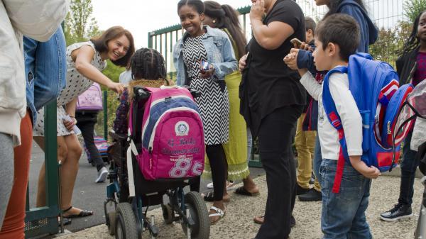 franceinfo junior. Comment sont accueillis les élèves handicapés à l'école ?