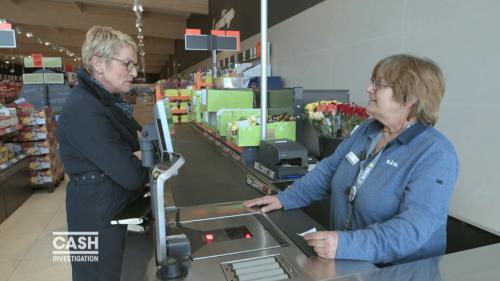 """VIDEO. Travail. Pour """"Cash Investigation"""", Elise Lucet est allée au supermarché"""