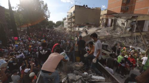 """""""J'ai tout de suite pensé à ma femme et mon enfant"""": à Mexico, des habitants racontent le séisme"""