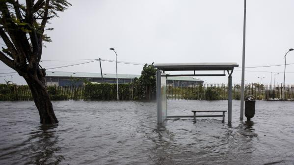 Ouragan Maria : la Guadeloupe soigne ses plaies
