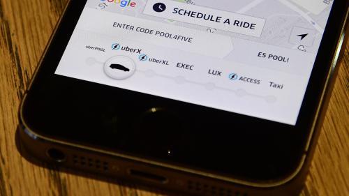 """VIDÉO. """"C'est un choc, j'en ai les larmes aux yeux"""" : Uber perd sa licence d'exploitation à Londres"""