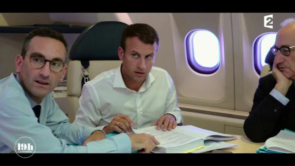 """VIDEO. """"19h le dimanche"""". Avec Emmanuel Macron dans l'avion présidentiel en vol pour les Nations unies à New York"""