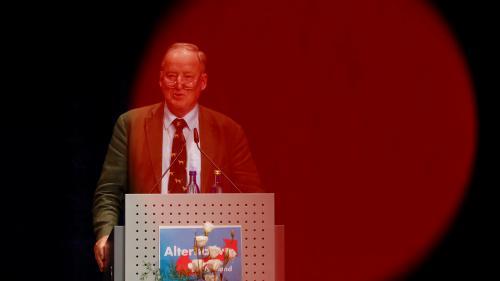 """""""Nous avons un nouveau problème"""" : Angela Merkel doit faire face à l'entrée de 94députés de l'AfD au Bundestag"""