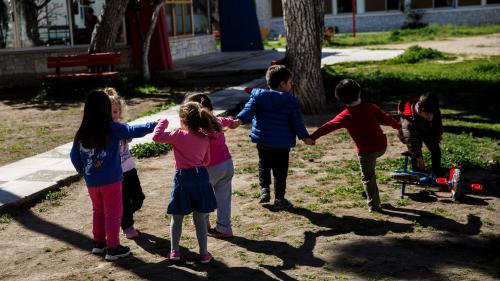 Garde d'enfants : une aide supplémentaire de 138 euros par mois pour les familles les plus pauvres