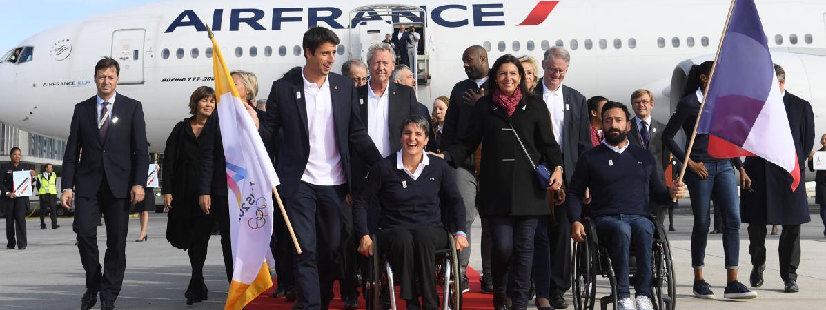 Hidalgo , et la délégation française pour Paris 2024 ont loués un gros n'avion de 320 places pour une salle de 60 personnes à Lima! dans Non classé 13395840