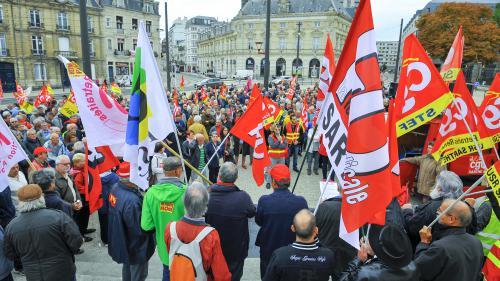 """DIRECT. """"Les jeunes dans la galère, les vieux dans la misère, on n'en veut pas"""" : les retraités manifestent dans toute la France contre la hausse de la CSG"""