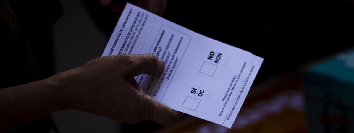 """Résultat de recherche d'images pour """"photos de bulletins de vote independance catalogne"""""""