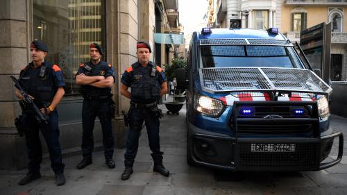 """""""Le recours à la force n'était pas justifié"""" : après le référendum, la rébellion des policiers et pompiers catalans ?"""