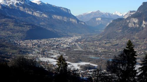 """Pollution dans la vallée de l'Arve : """"Je crains l'hiver qui arrive, il faut prendre des mesures d'urgence"""""""