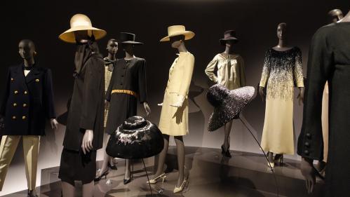 EN IMAGES. Dans l'intimité d'un génie créatif au musée Yves Saint Laurent Paris