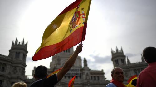 Référendum en Catalogne : des milliers de manifestants défilent à Madrid pour défendre l'unité de l'Espagne
